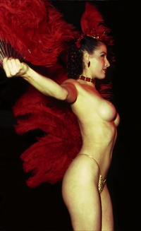 Burlesque cabaret performance
